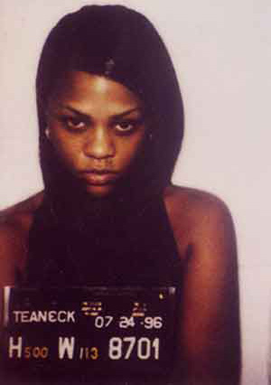 http://rainbowlens.files.wordpress.com/2009/01/mugshot__lil-kim1.jpg